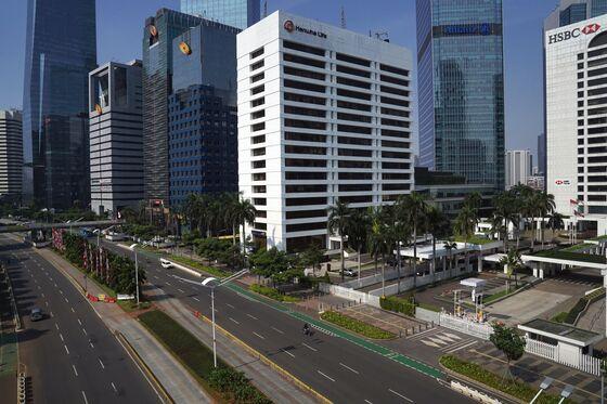 Gasoline Demand Sinks as Virus Batters Leading Asia Importer