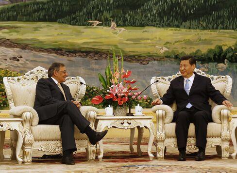 U.S. Sec. of Defense Leon Panetta and Chinese VP Xi Jinping