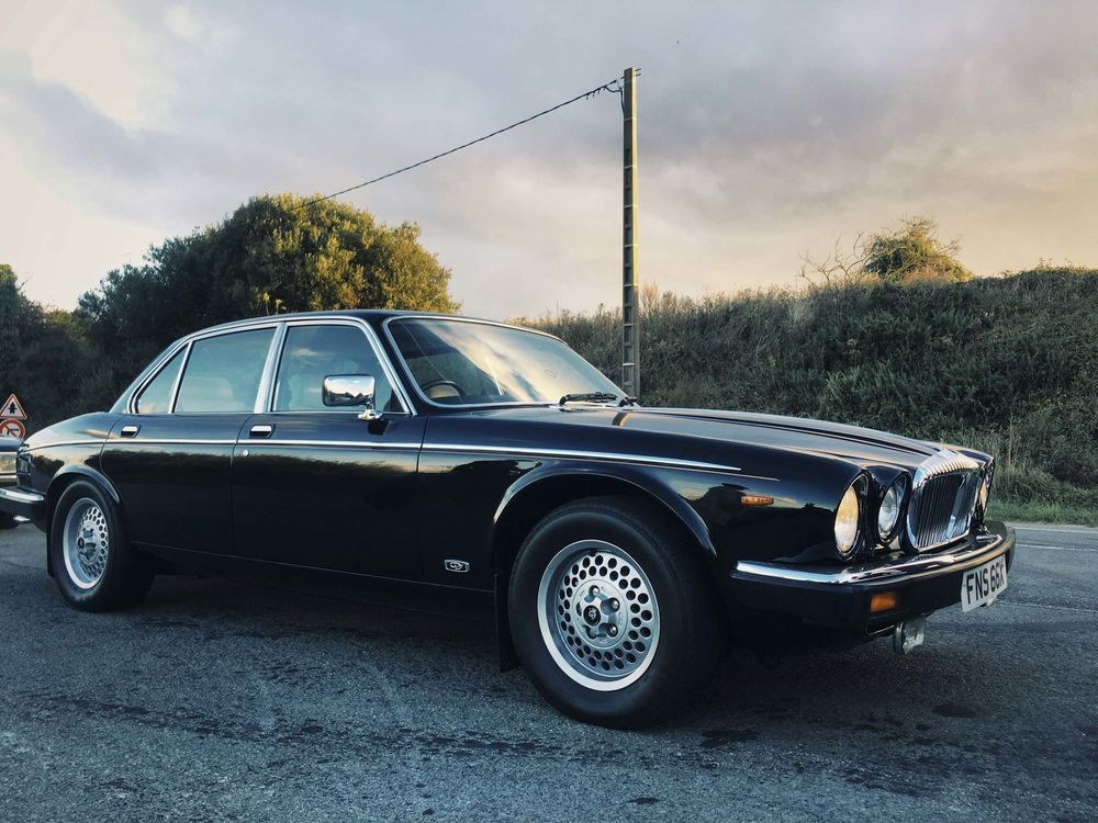 Relates To A Jaguar Xj Is The Coolest Vintage Car You Can Actually Afford