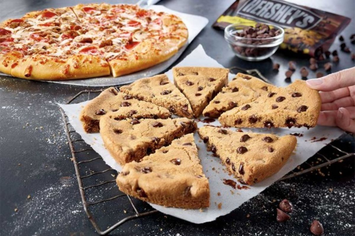 Pizza Hut's Newest Dessert: An 8-Inch Chocolate-Chip Cookie ...