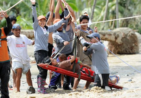 Storm Heads to China, Vietnam as Philippine Death Toll Rises