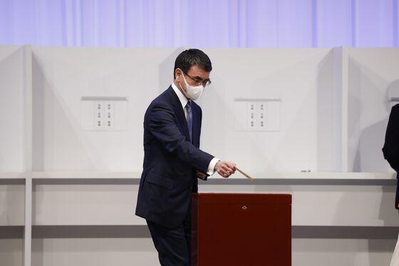 Kishida Secures Japan Premier Job, and Now Must Win Over Voters