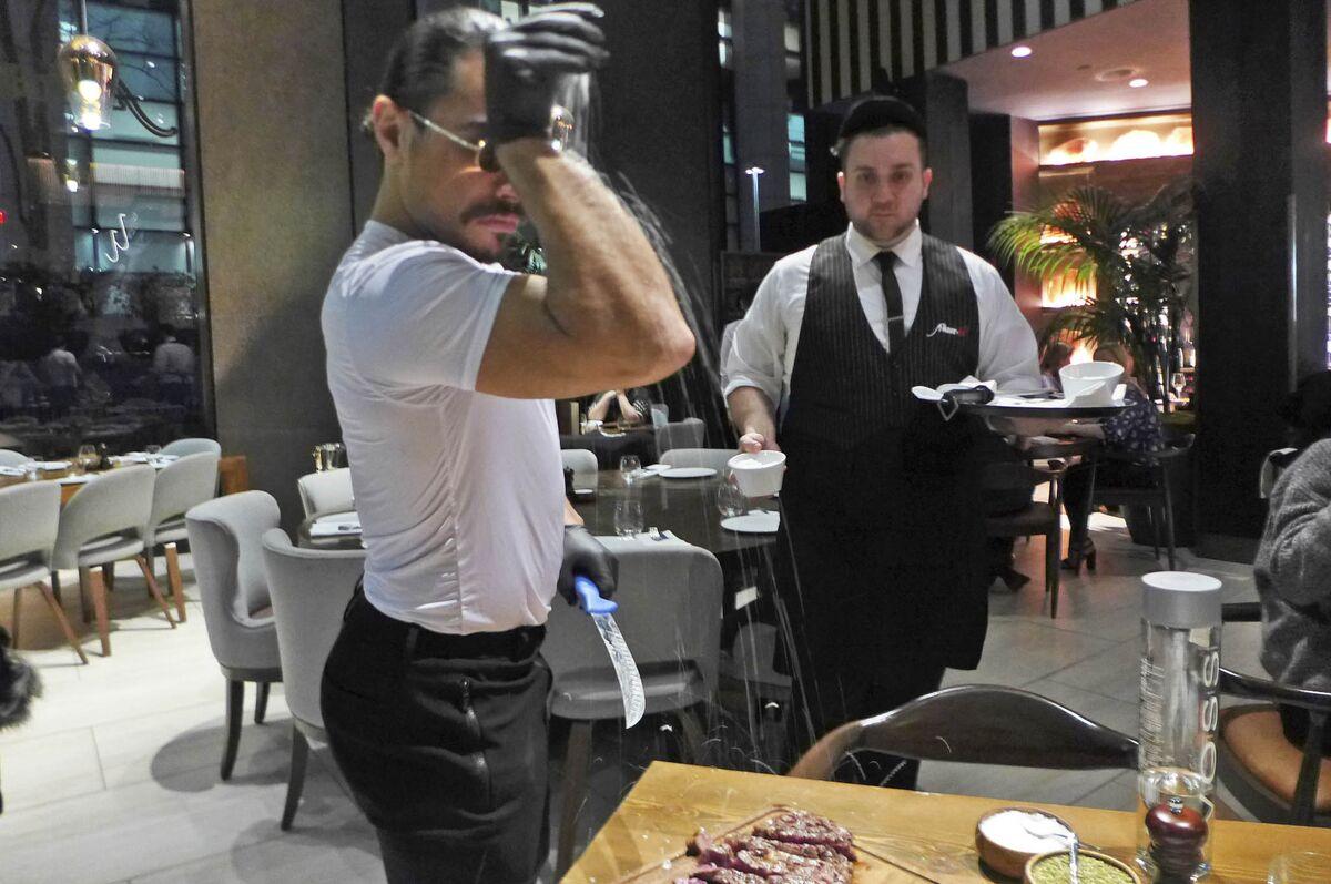 Salt Bae Nusr Et Review New Yorks Most Controversial Steakhouse