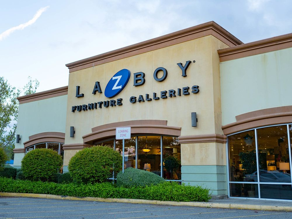 La-Z-Boy Jumps as Consumers Keep Coming Into Its Physical Stores