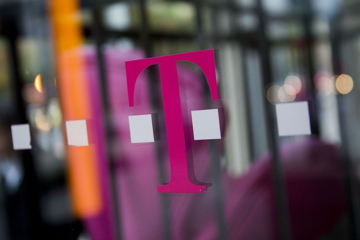bloomberg.com - Scott Moritz - T-Mobile Aims First Wireless Broadband Service at Rural Homes