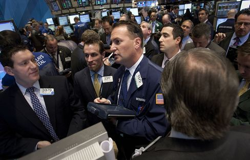 U.S. Stocks Rise on Improving Economic Data