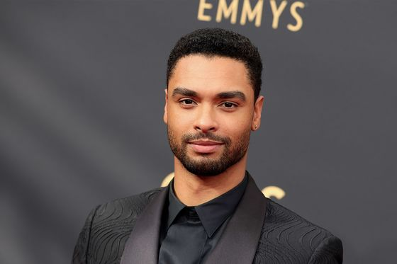 Netflix Star Is Gamblers' Favorite to Become the First Black 007