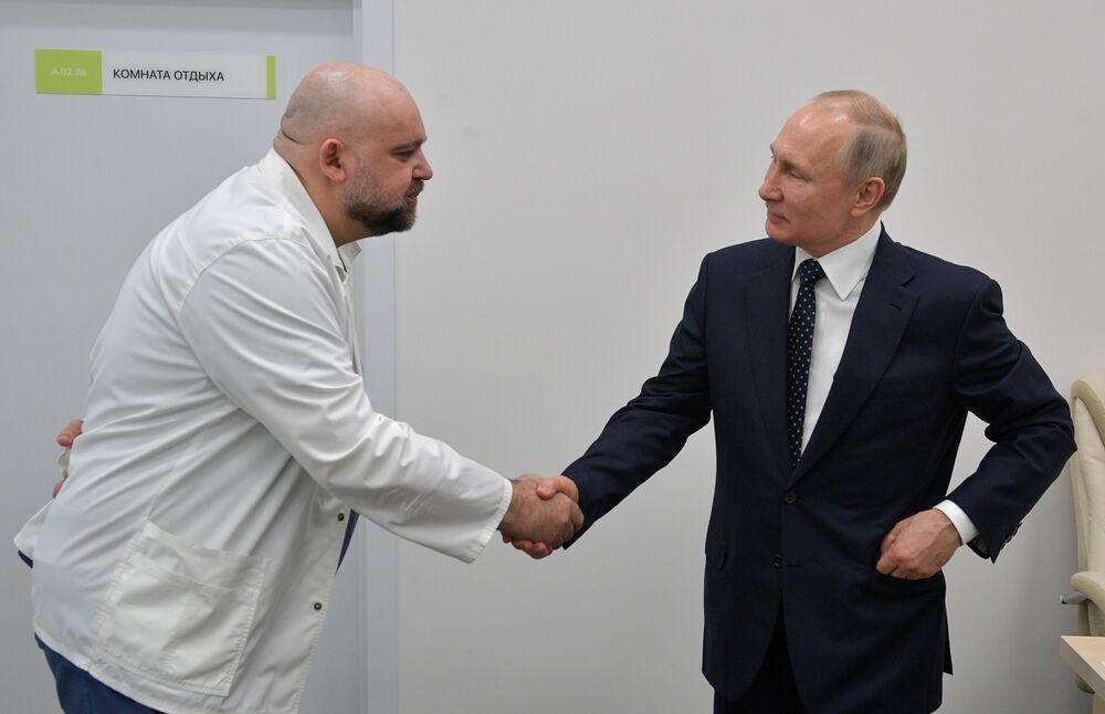 Russian Hospital Chief Who Met Putin Last Week Has Coronavirus - Bloomberg