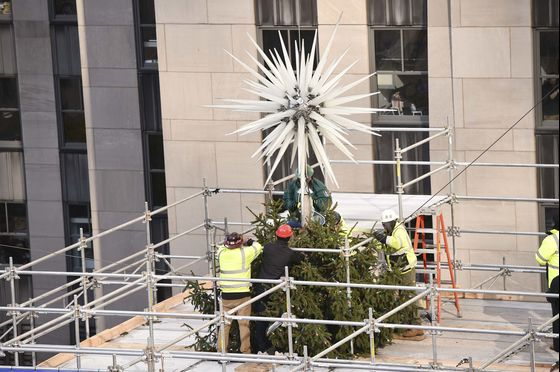 Rockefeller Center's Christmas Tree Gets a Star With Three Million Crystals