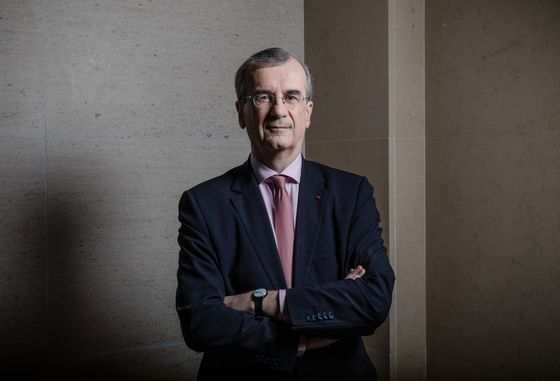 ECB's Villeroy Sees Risks From Shadow Banking, Emerging Markets