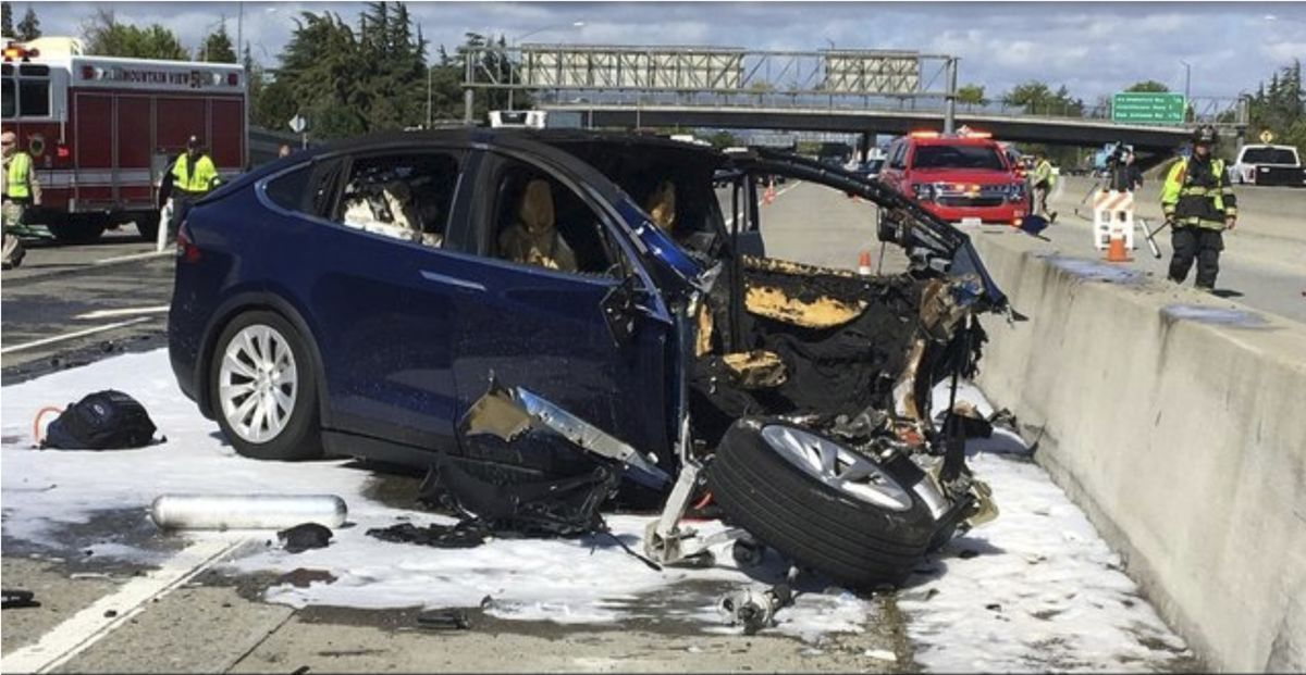 Tesla Driver Died Using Autopilot, With Hands Off Steering