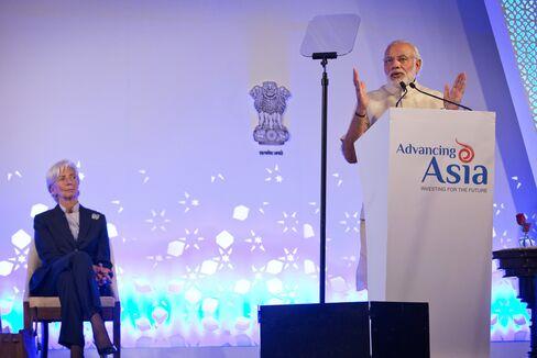 Narendra Modi and Christine Lagarde at the Advancing Asia Conference