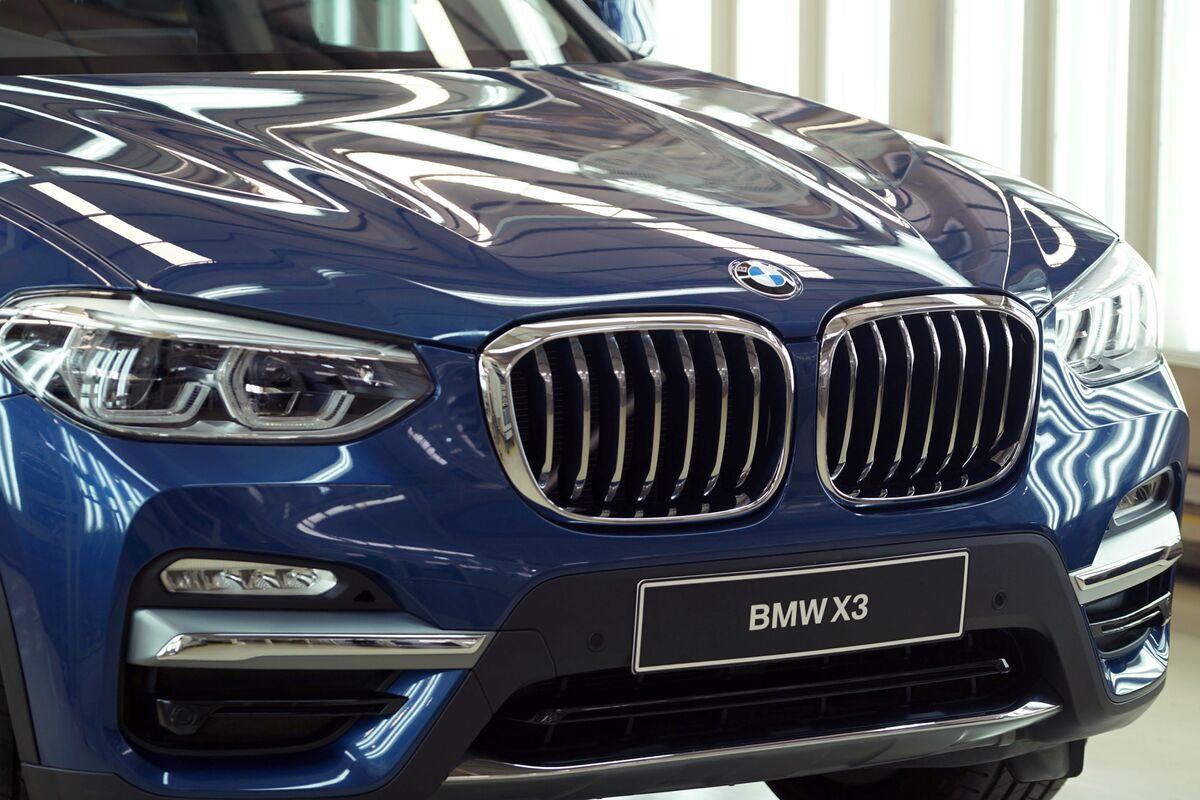 BMW Pulls Ahead of Mercedes in U.S. Luxury Race