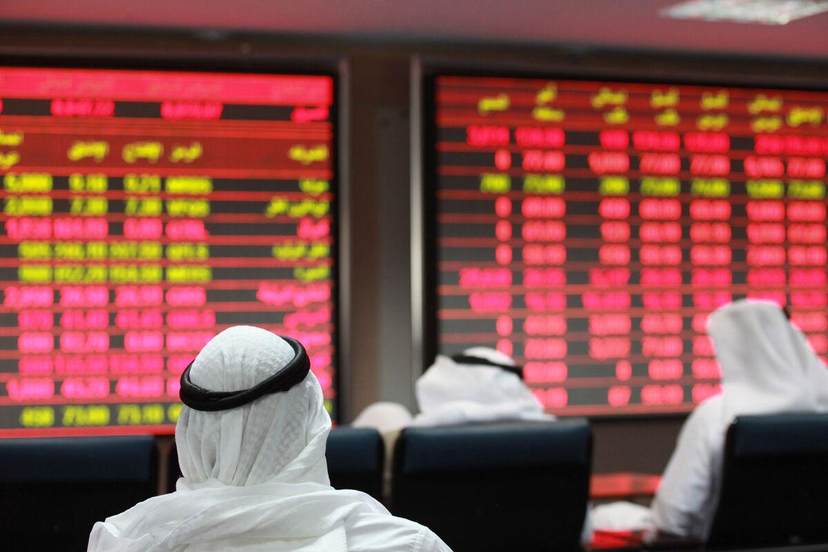Qatari Stocks Break Losing Streak, Lead Mideast Gains: Inside EM