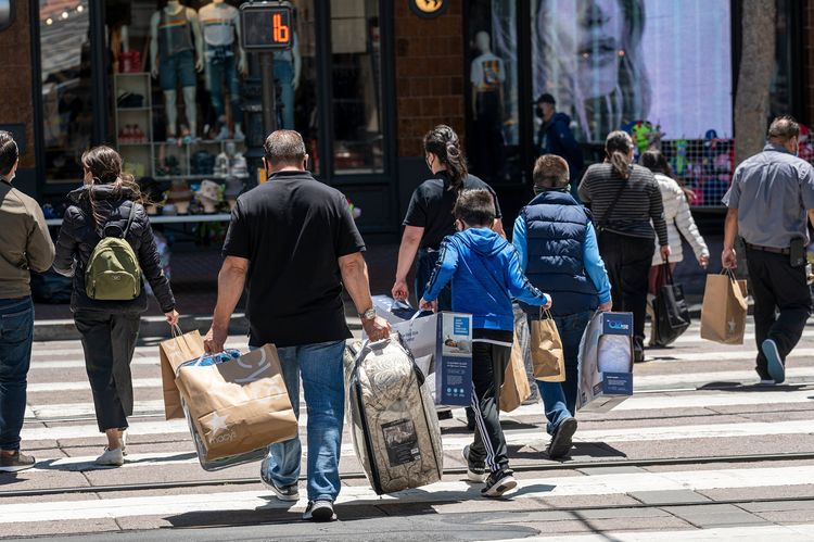 Shoppers As Consumer Prices In U.S. Top Forecast