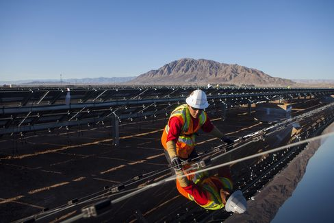 Mexican Sun Lures Cash to Solar as Panel Prices Plunge