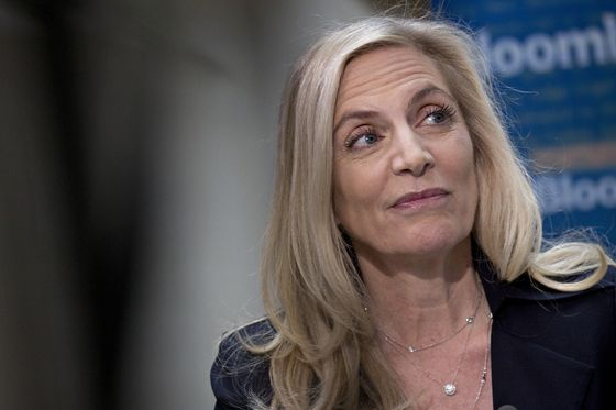 Brainard Says Fed Is Conducting E-Money Tests for Research
