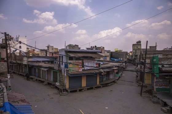 Distress Deepens in Indian Villages, Worsening Economic Pain