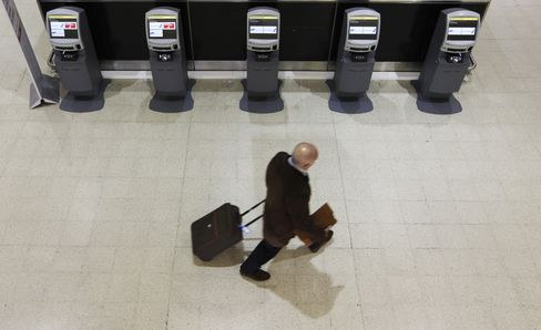 Global Services Weaken as Europe Slides Into Recession