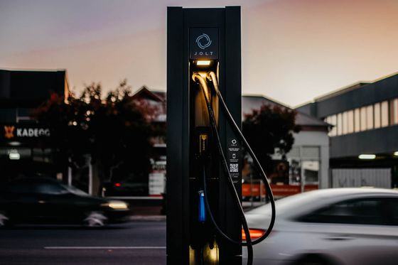 BlackRock Seeks to Jolt Australia's Sluggish Switch to EVs