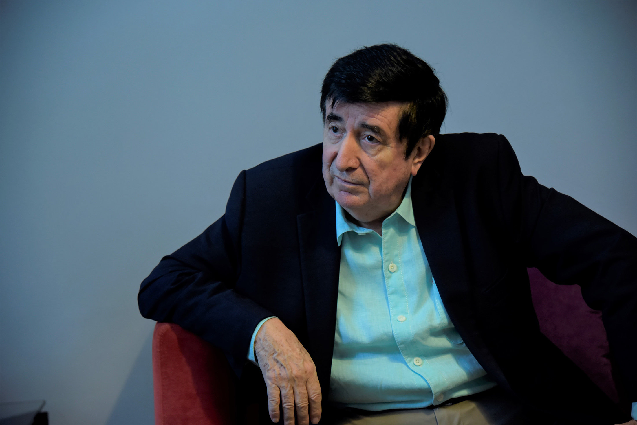 bloomberg.com - Patrick Gillespie - As Argentine Bonds Slump, Macri Adviser Says Market Has It Wrong