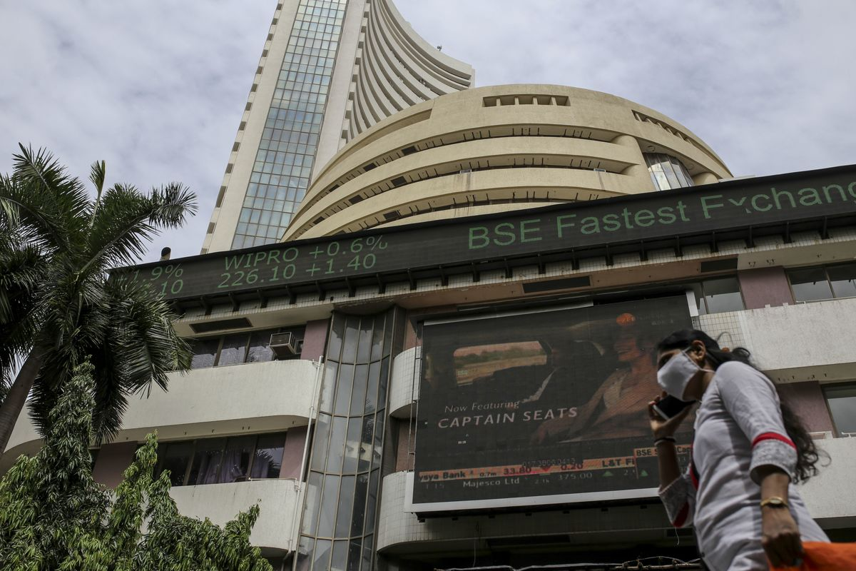 Indian Stocks Extend Losing Streak as Virus Cases Continue to Rise